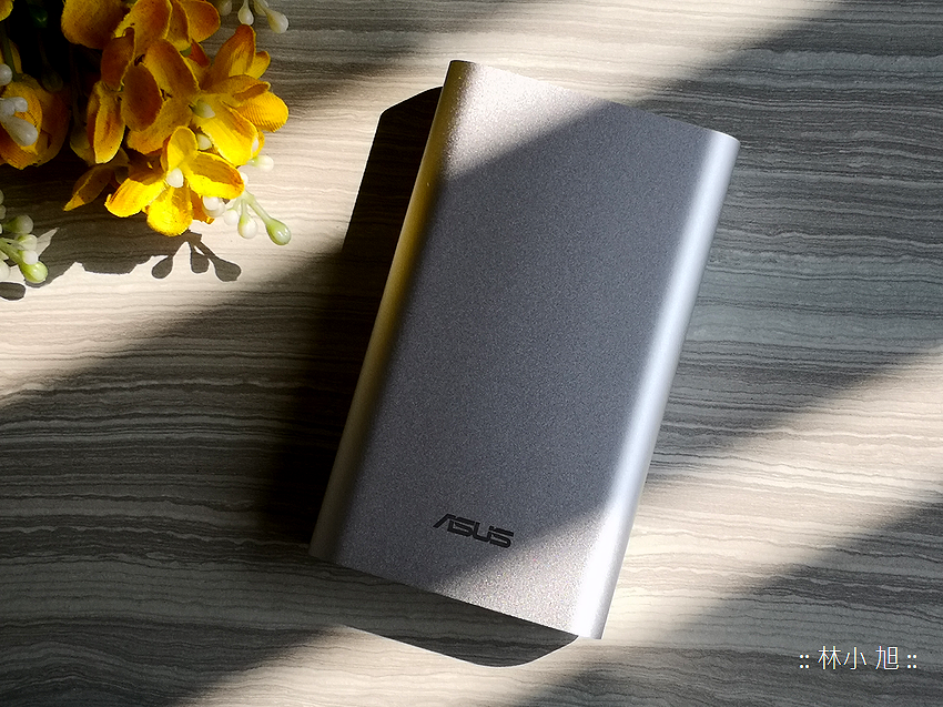 ASUS 華碩 ZenPower 10050C (ABTU012) 快充行動電源開箱推薦 (18).png