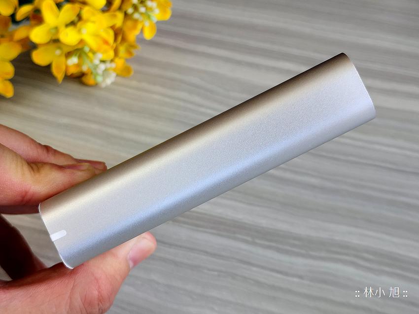 ASUS 華碩 ZenPower 10050C (ABTU012) 快充行動電源開箱推薦 (3).png