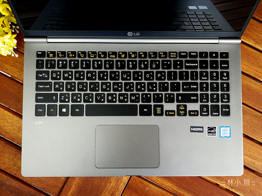 LG gram 輕巧筆記型電腦開箱 (7).png