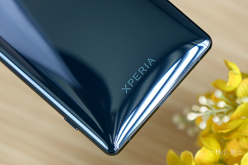 SONY Xperia XZ2 開箱 (ifans 林小旭) (5).png