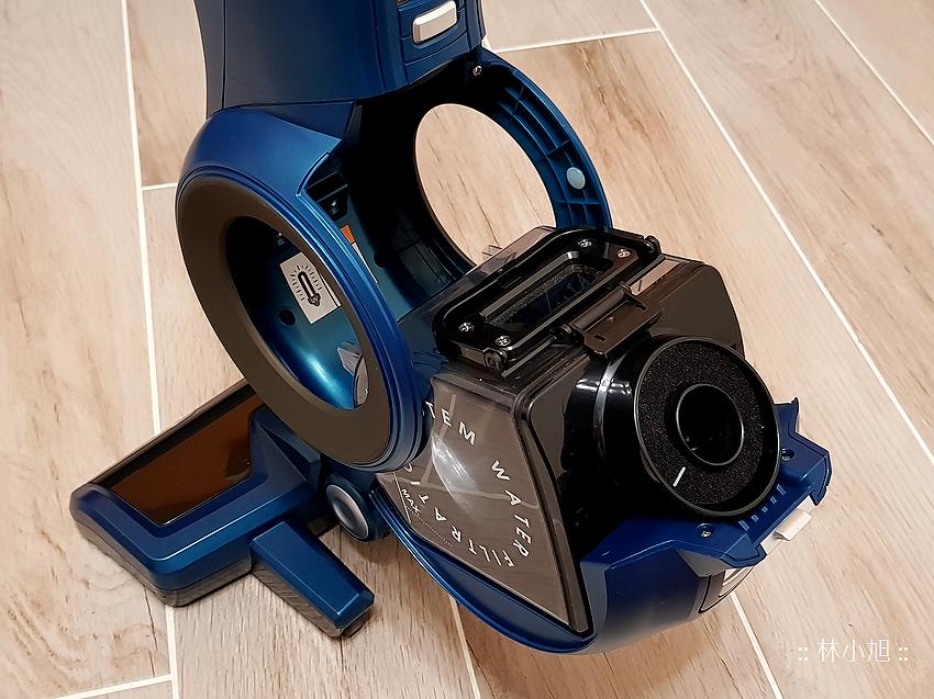 Whirlpool 惠而浦水過濾直立手持兩用無線吸塵器 (VCS3002) 開箱 (15).png