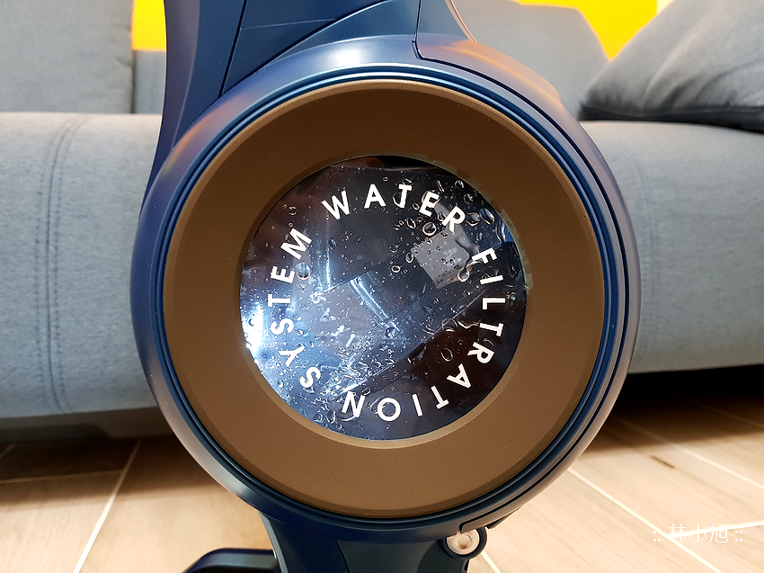 Whirlpool 惠而浦水過濾直立手持兩用無線吸塵器 (VCS3002) 開箱 (59).png
