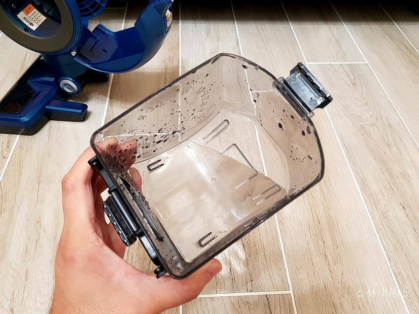 Whirlpool 惠而浦水過濾直立手持兩用無線吸塵器 (VCS3002) 開箱 (61).png