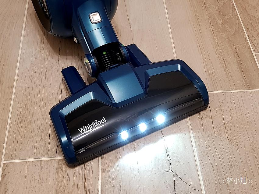 Whirlpool 惠而浦水過濾直立手持兩用無線吸塵器 (VCS3002) 開箱 (5).png