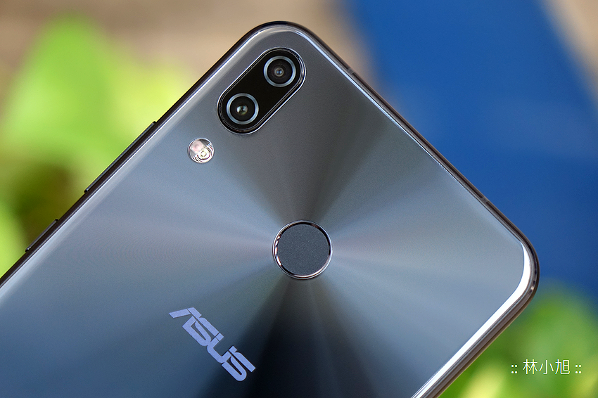 ASUS 華碩 ZenFone 5Z 開箱 (ifans 林小旭) (15).png