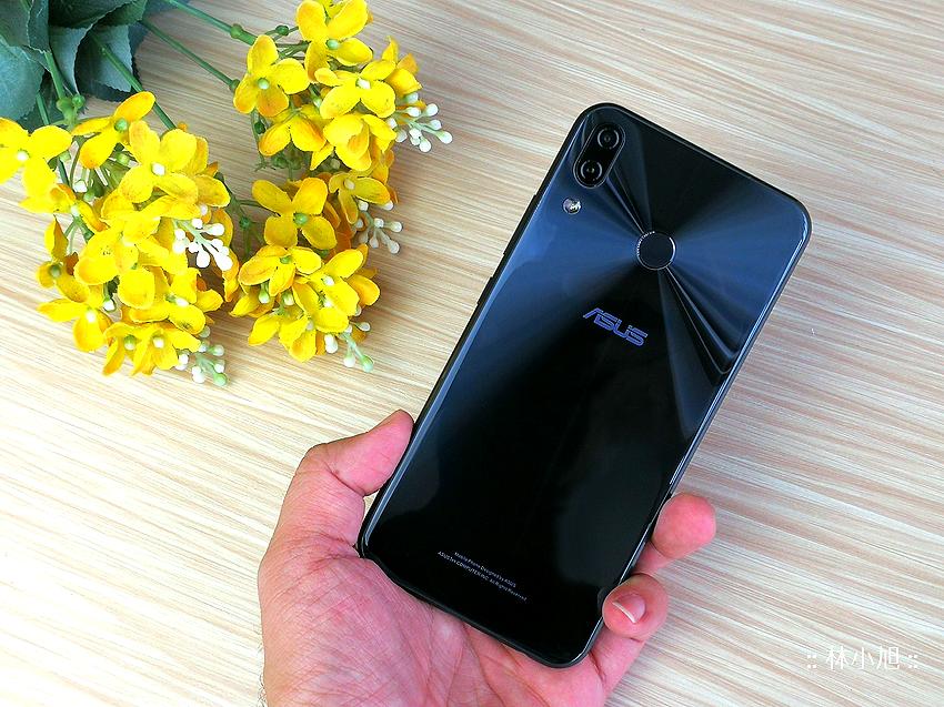 ASUS 華碩 ZenFone 5Z 開箱 (ifans 林小旭) (1).png