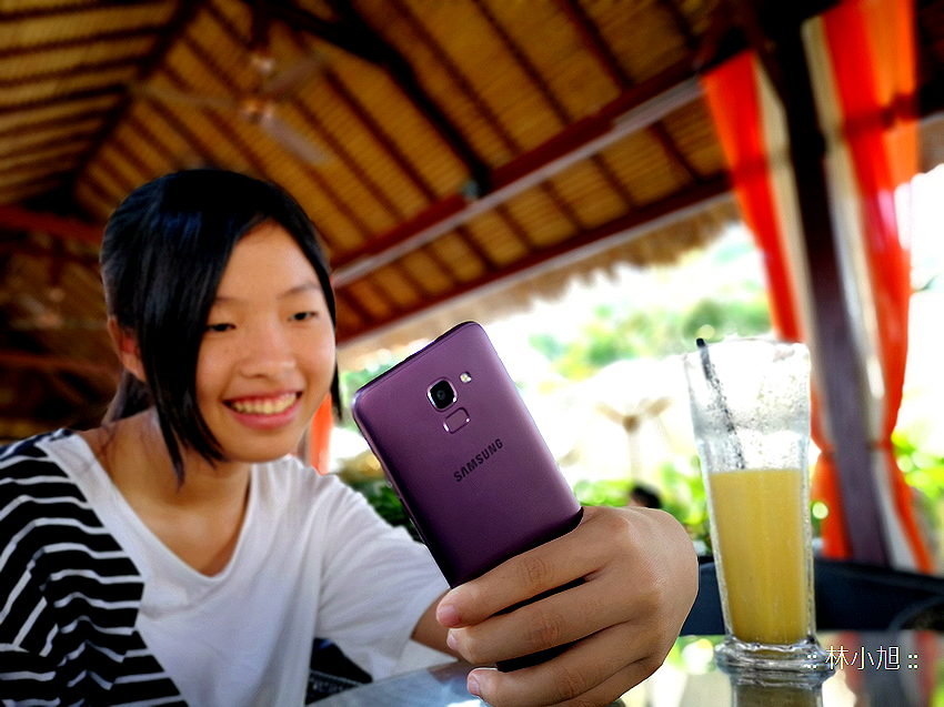 Samsung Galaxy J6 平價全螢幕自拍機開箱(ifans 林小旭) (33).png