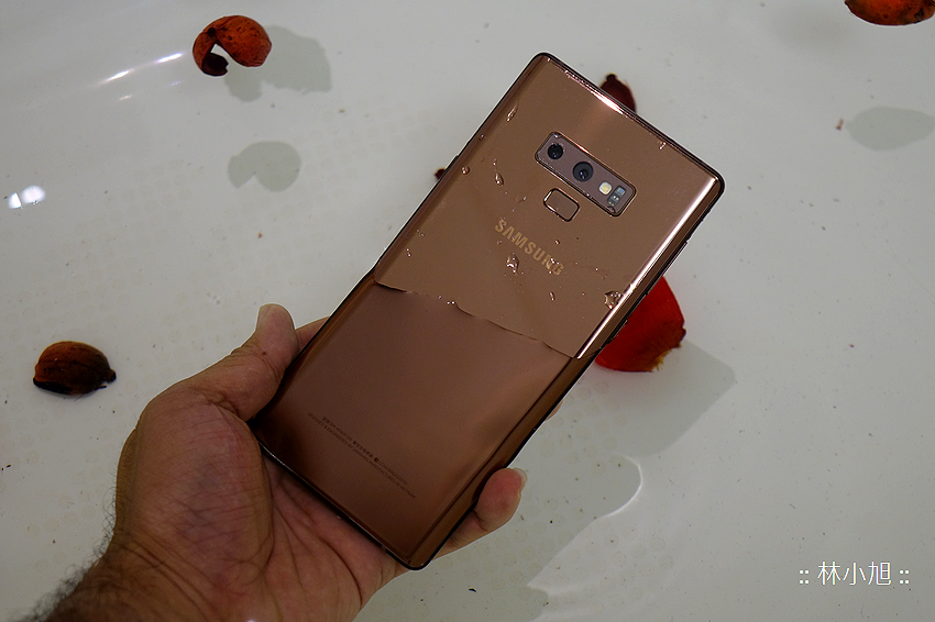 三星 Samsung Galaxy Note 9 開箱 (ifans 林小旭) (25).png