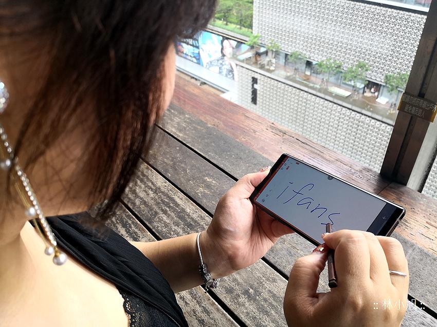 三星 Samsung Galaxy Note 9 開箱 (ifans 林小旭) (56).png
