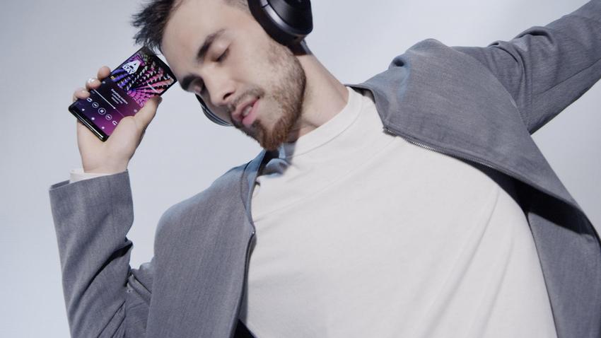 Xperia XZ3擁有來自Sony 集團創新技術,涵蓋電視科技、影像、音效、遊戲等創新科技,再次挑戰手機沉浸式娛樂體驗!(2).png
