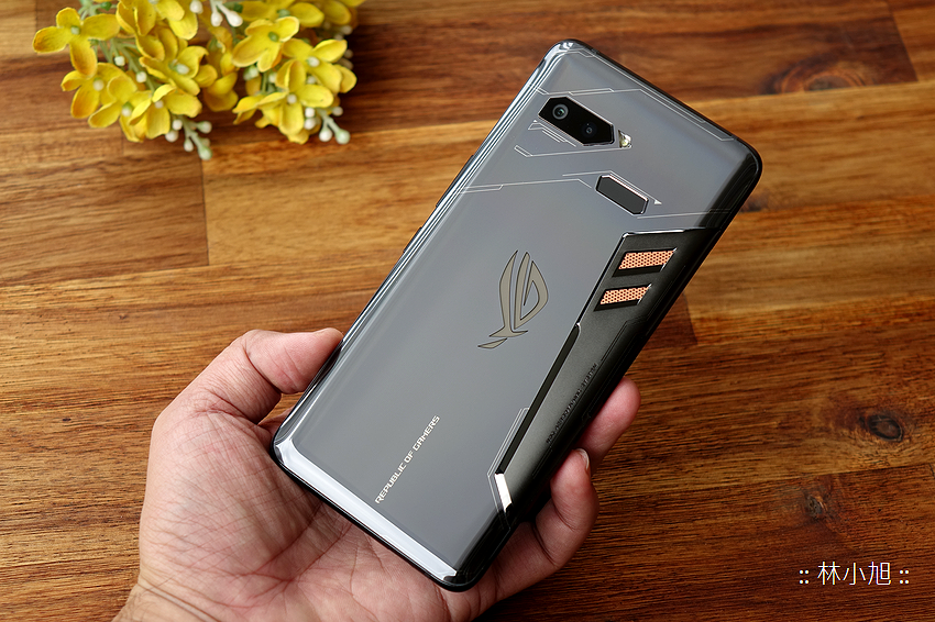 ASUS ROG Phone 開箱 (ifans 林小旭) (22).png
