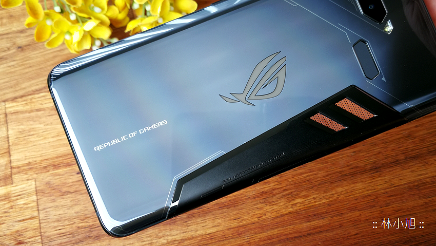 ASUS ROG Phone 開箱 (ifans 林小旭) (33).png