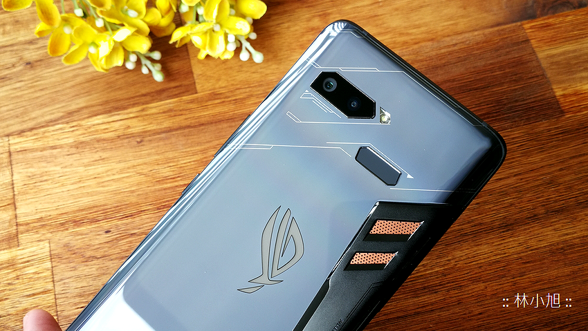 ASUS ROG Phone 開箱 (ifans 林小旭) (34).png