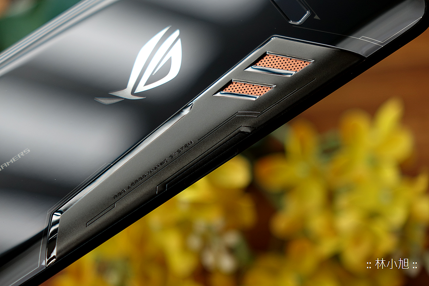 ASUS ROG Phone 開箱 (ifans 林小旭) (18).png