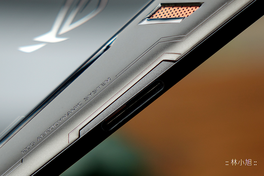 ASUS ROG Phone 開箱 (ifans 林小旭) (19).png
