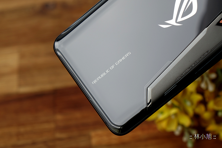 ASUS ROG Phone 開箱 (ifans 林小旭) (20).png