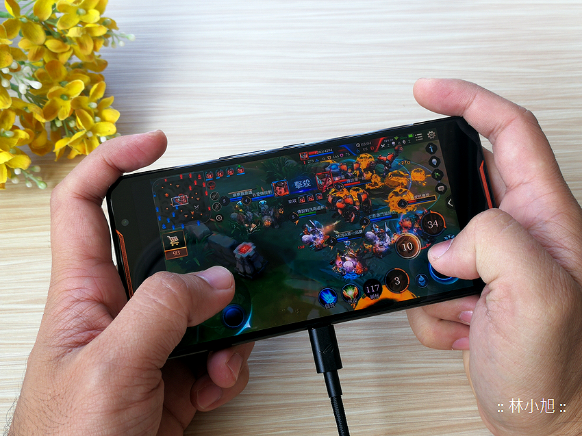 ASUS ROG Phone 開箱 (ifans 林小旭) (52).png