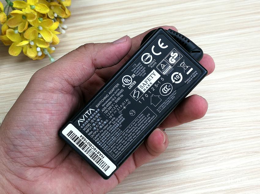 AVITA LIBER 13.3 吋 14 吋指紋辨識筆記型電腦開箱 ( ifans 林小旭) (32).png