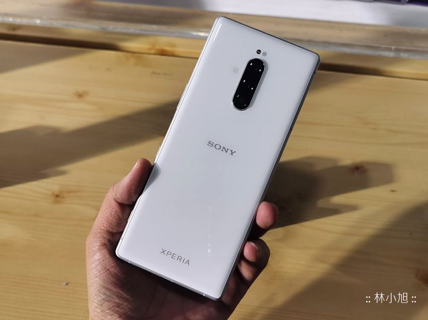SONY 大師級手機 Xperia 1 動手玩沒開箱 (ifans 林小旭) (40).png
