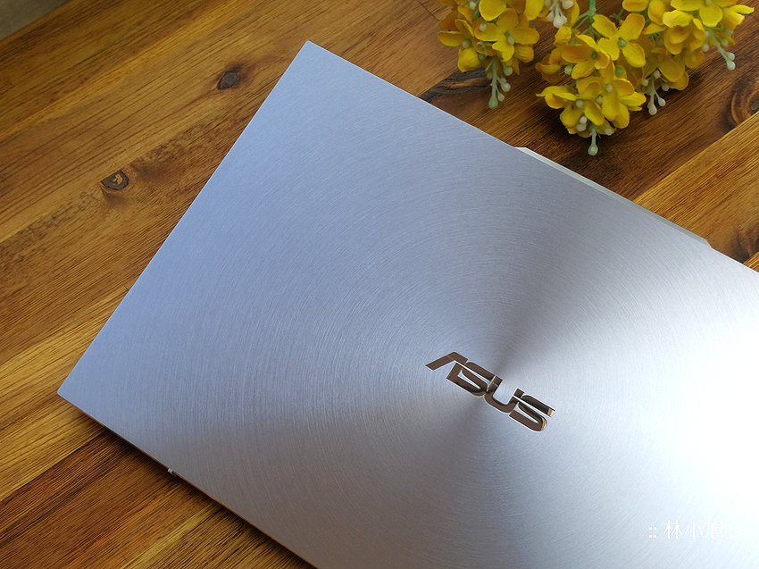 ASUS ZenBook S13 UX392 冰河藍開箱 (ifans 林小旭) (14).png