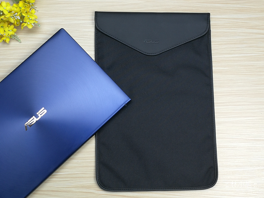 ASUS ZenBook 15 UX534FT 智慧觸控板 ScreenPad 2.0 筆電開箱 (ifans 林小旭) (30).png