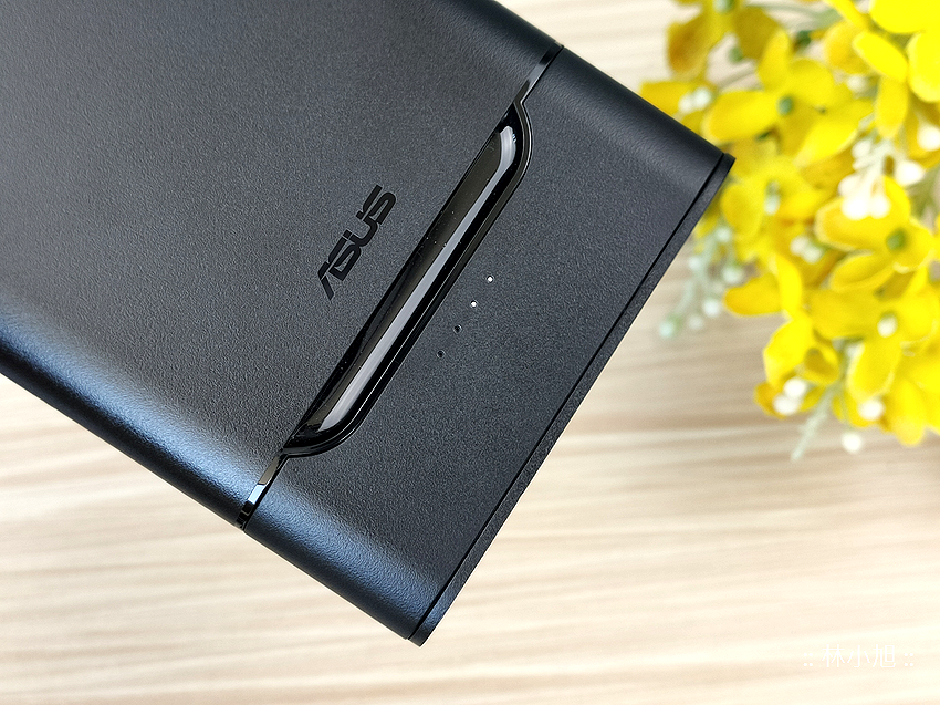 ASUS ZenPower 10000 Quick Charge 3.0 開箱 (ifans 林小旭) (9).png