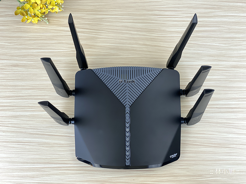 D-Link 友訊 DIR-3060 旗艦款 AC3000 Wi-Fi Mesh 無線路由器開箱 (ifans 林小旭) (6).png