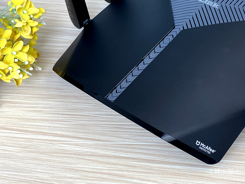 D-Link 友訊 DIR-3060 旗艦款 AC3000 Wi-Fi Mesh 無線路由器開箱 (ifans 林小旭) (9).png