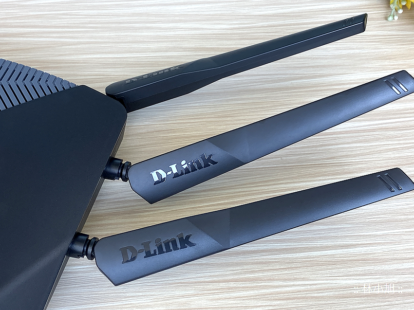 D-Link 友訊 DIR-3060 旗艦款 AC3000 Wi-Fi Mesh 無線路由器開箱 (ifans 林小旭) (15).png