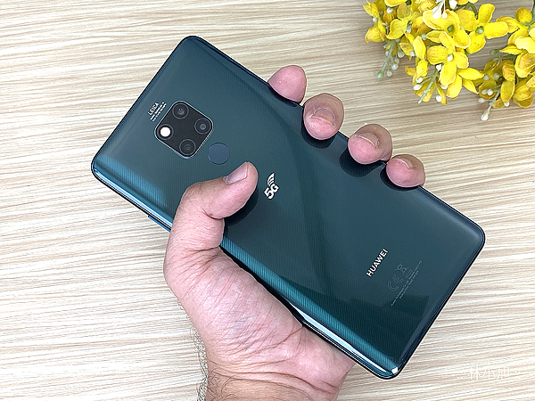 HUAWEI Mate20 X 5G 版開箱 (ifans 林小旭) (22).png
