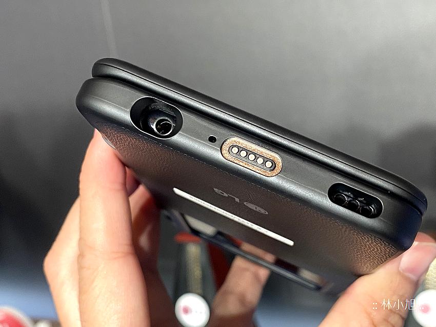 雙螢幕耶!LG G8X ThinQ Dual Screen 有兩片 6.4 吋螢幕,你覺得可以做什麼呢?