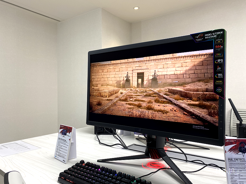 桌上的酷炫配備!ROG Swift 360Hz、PG32UQX 電競螢幕以及 ROG Strix GA15、ROG Strix GA35 電競桌機 (ifans 林小旭) (6).png