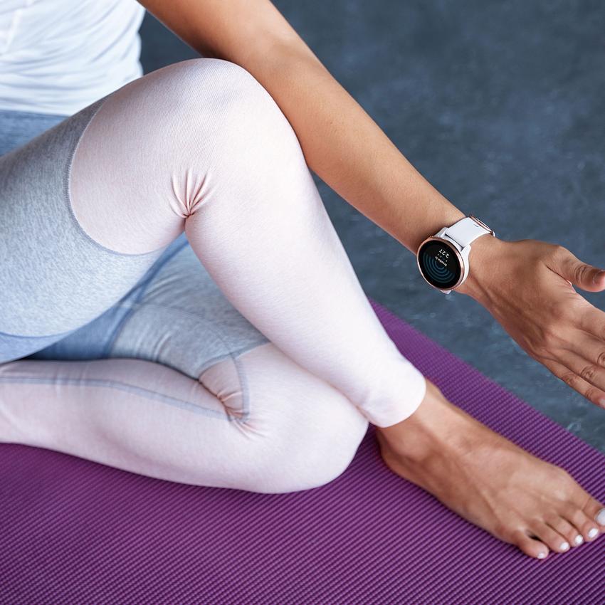 Garmin Connect APP提供多種強化代謝的心肺訓練、強化肌肉的肌力訓練,與瑜珈、皮拉提斯等居家運動訓練計畫。(Garmin Venu AMOLED GPS智慧腕錶_建議售價NT$13,900元).png