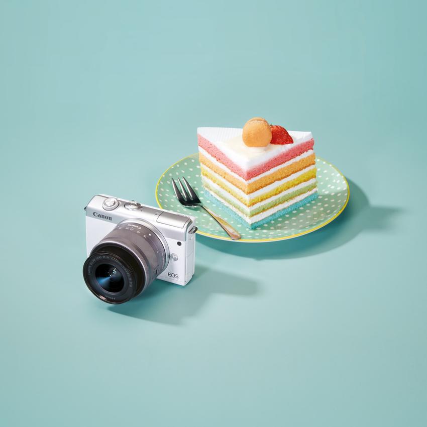 02_Canon EOS M200 具有輕盈纖薄時尚機身,重量只有 262g,方便每日隨身攜帶記錄生活日常。.png