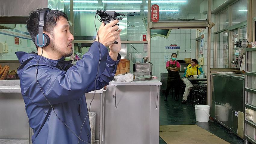 圖說二、李中導演完美詮釋「大師視野」,《代代排》全程以Xperia 1搭載的Cinema Pro拍攝(2).png