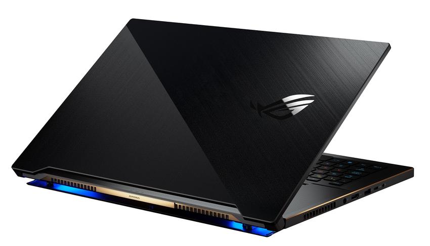 ROG Zephyrus S17於1.87公分的輕薄機身嵌入17.3吋的300Hz高更新率螢幕,改寫輕薄電競筆電的一切定義。.png