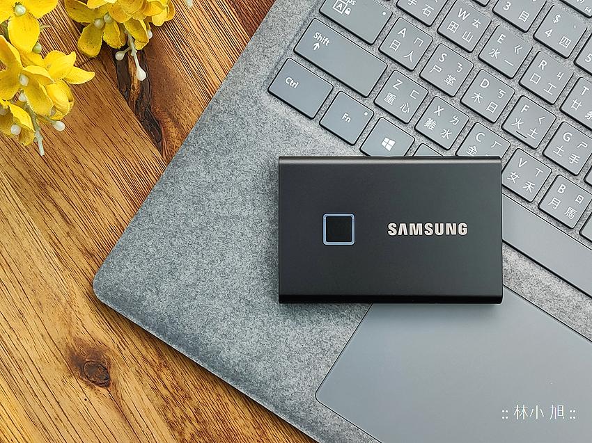 SAMSUNG 三星 T7 Touch 500GB SSD 固態硬碟經典黑開箱 (ifans 林小旭) (21).png