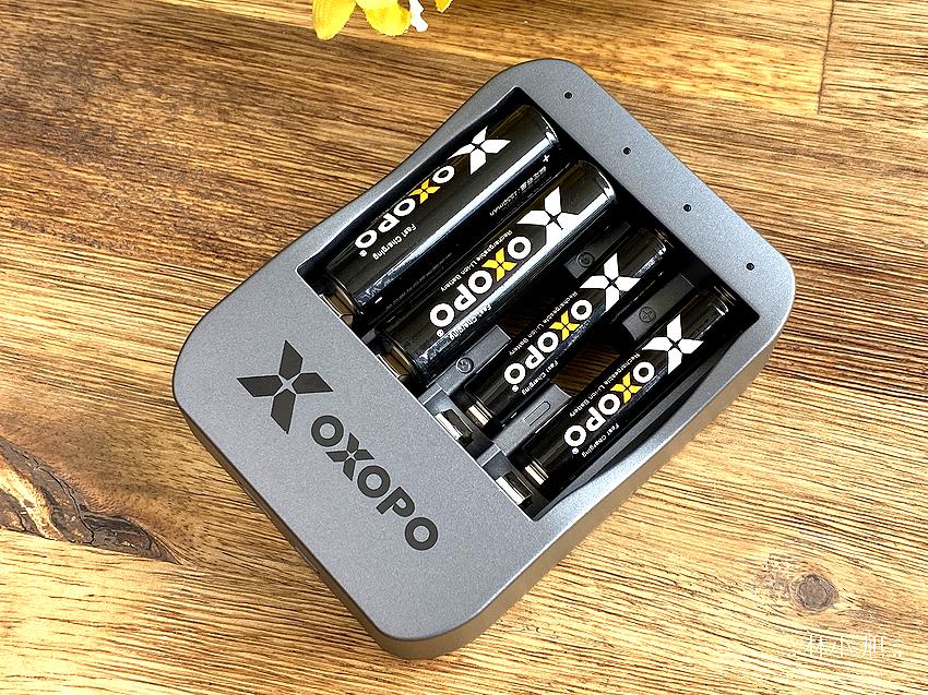 艾德 OXOPO XS系列快速充電電池開箱 (ifans 林小旭) (32).png