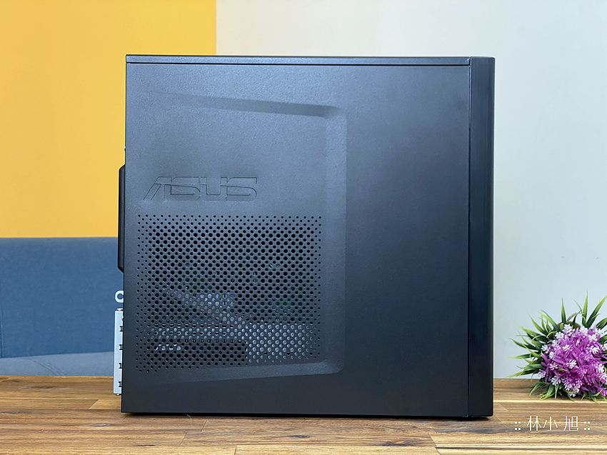 ASUS ExpertCenter W7 Tower (W700TA) 開箱 (ifans 林小旭) (6).png