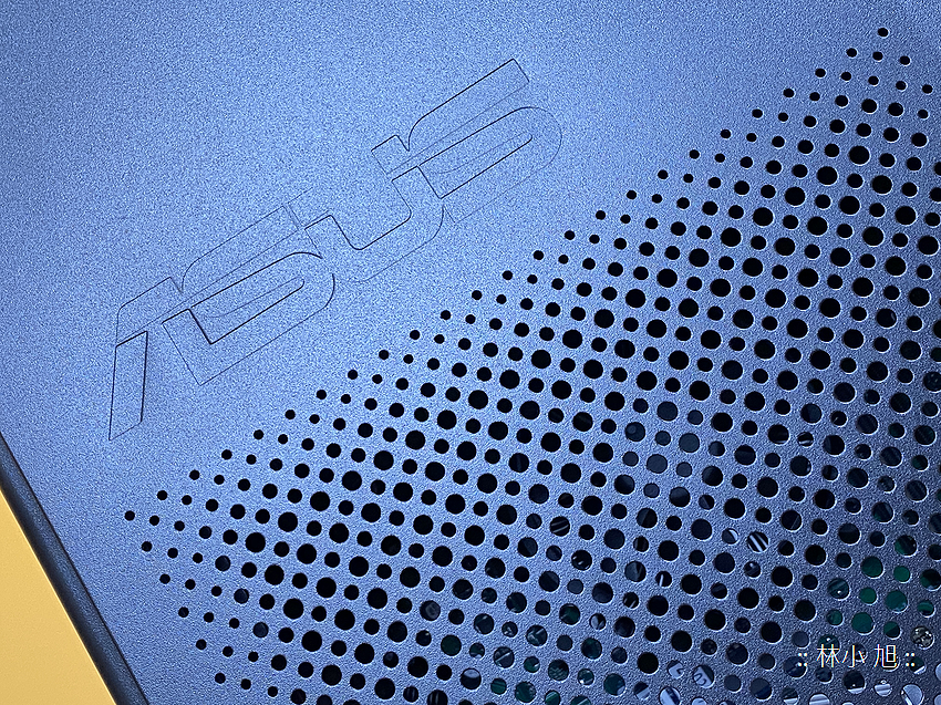 ASUS ExpertCenter W7 Tower (W700TA) 開箱 (ifans 林小旭) (7).png