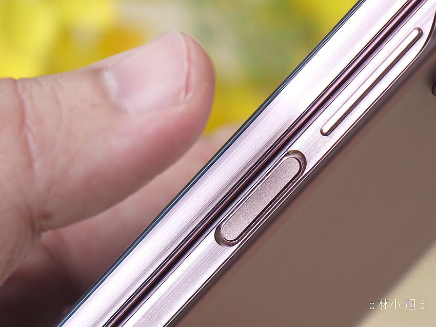 Samsung Galaxy Z Fold2 5G 開箱 (ifans 林小旭) (5).png