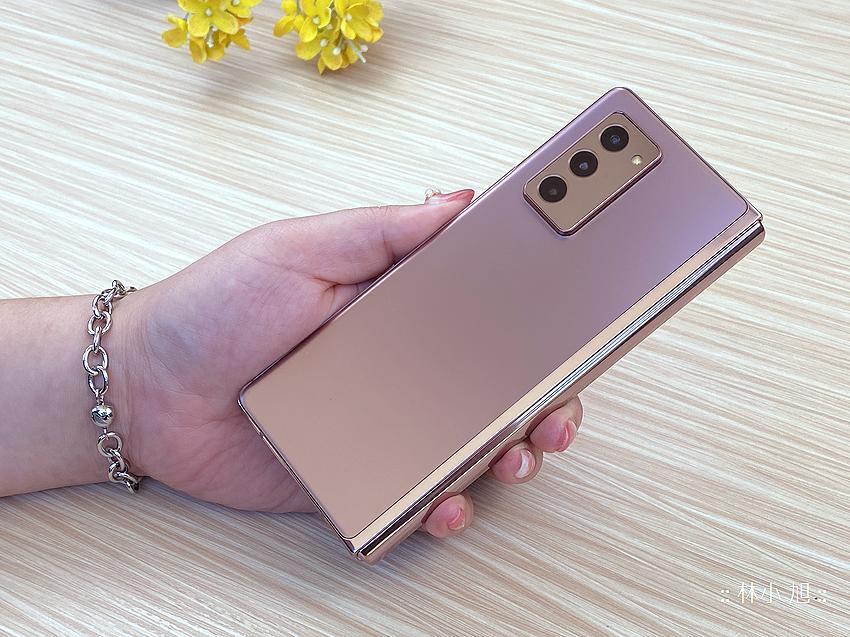 Samsung Galaxy Z Fold2 5G 開箱 (ifans 林小旭) (90).png