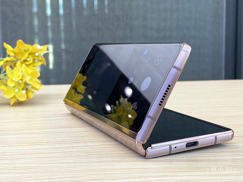 Samsung Galaxy Z Fold2 5G 開箱 (ifans 林小旭) (108).png