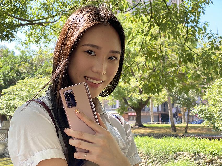 Samsung Galaxy Z Fold2 5G 開箱 (ifans 林小旭) (126).png