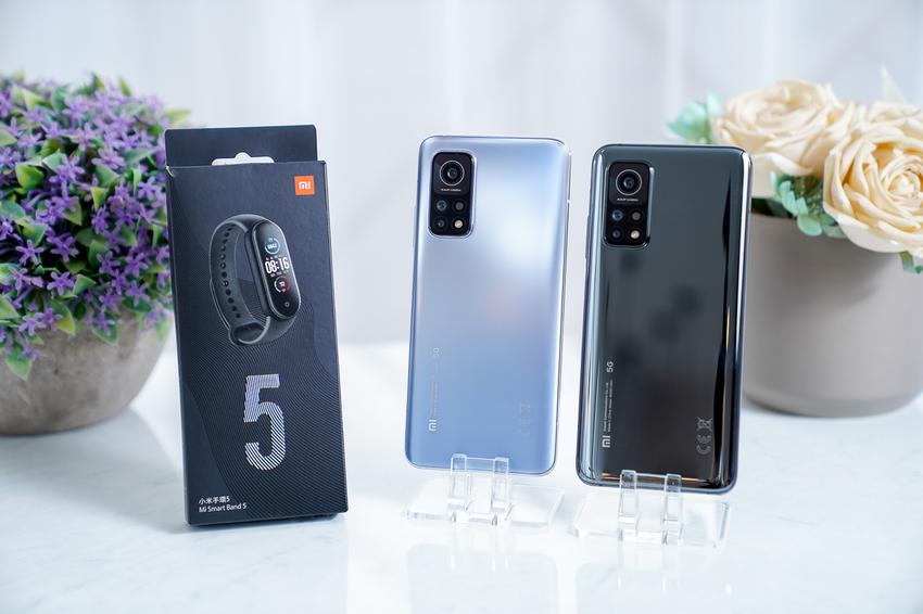 小米10T 於12月28日起全面上市,首波購買即贈小米手環5,邀用戶換新手機配新手環迎接嶄新的一年。.png