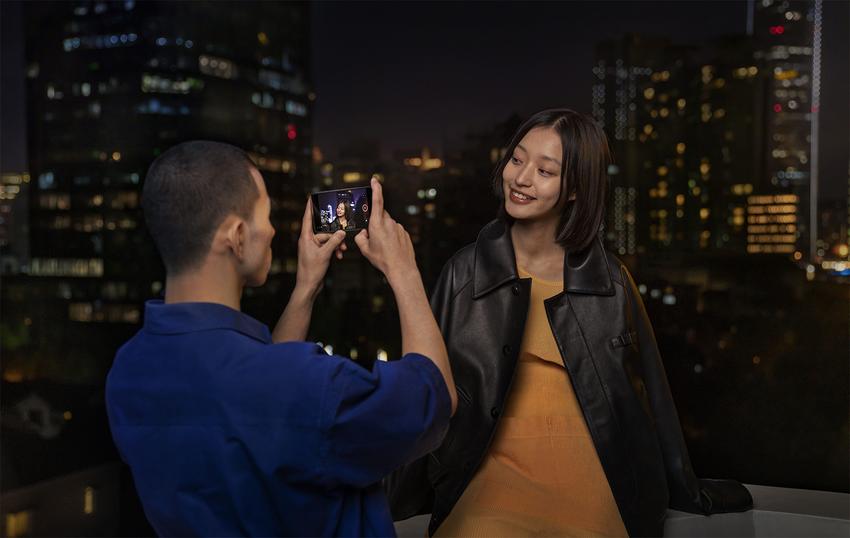 圖說8:全新升級的AI錄影增強結合超級動態夜景及Live-HDR,除提供更細緻亮眼的影像,更能滿足熱愛錄製影像的消費者。.png
