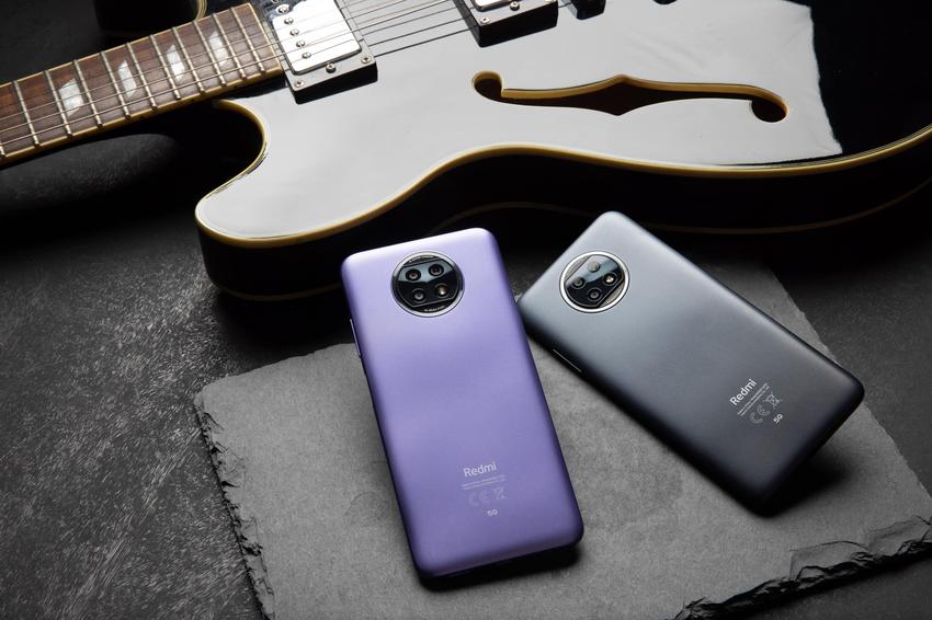 Redmi Note 9T 5G提供晨曦紫、日暮黑兩色選擇,4GB+64GB售價為新台幣$6,699元;4GB+128GB售價為新台幣$7,499元,於2月1日起於各大通路陸續上市.png