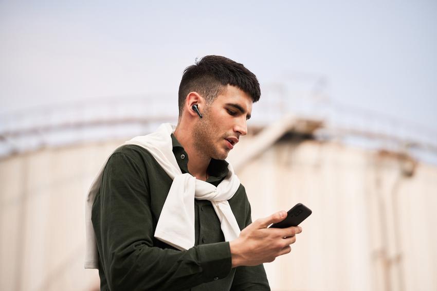 1MORE ComfoBuds Pro主動降噪耳機延續並升級了1MORE ComfoBuds舒適豆耳機輕巧無感的佩戴體驗.png