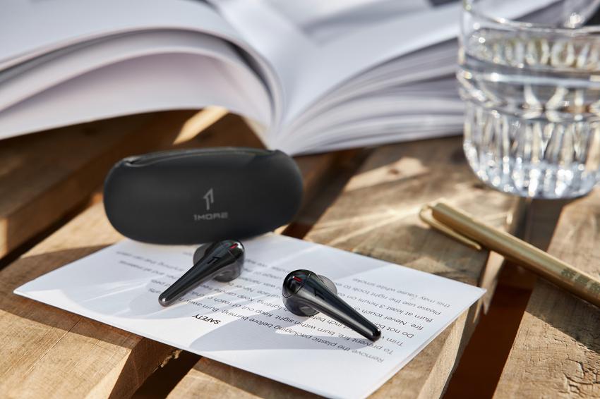 1MORE ComfoBuds Pro以QuietMaxTM獨家主動降噪技術,降噪深度可達40 dB同時兼顧出眾降噪與高音質.png