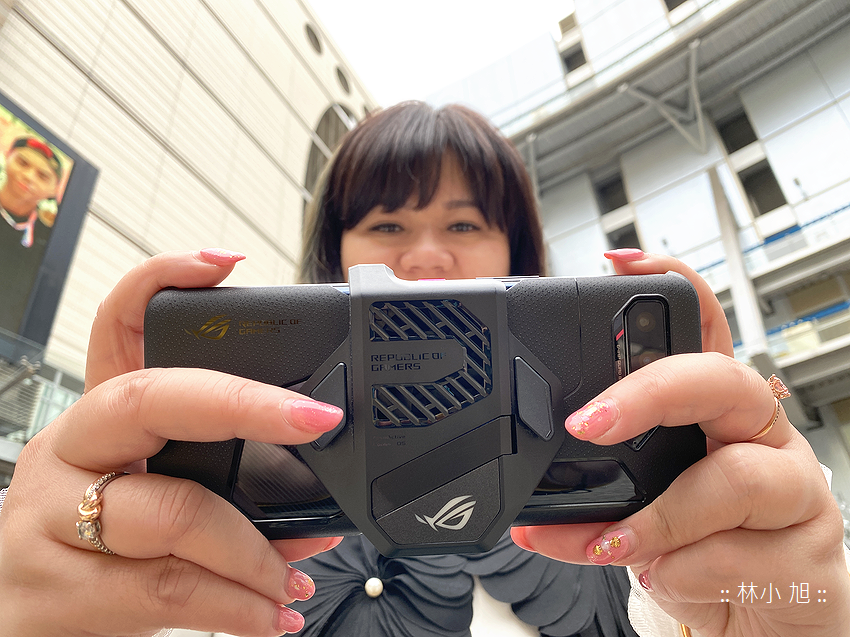 ASUS ROG Phone 5 開箱 (ifans 林小旭) (33).png